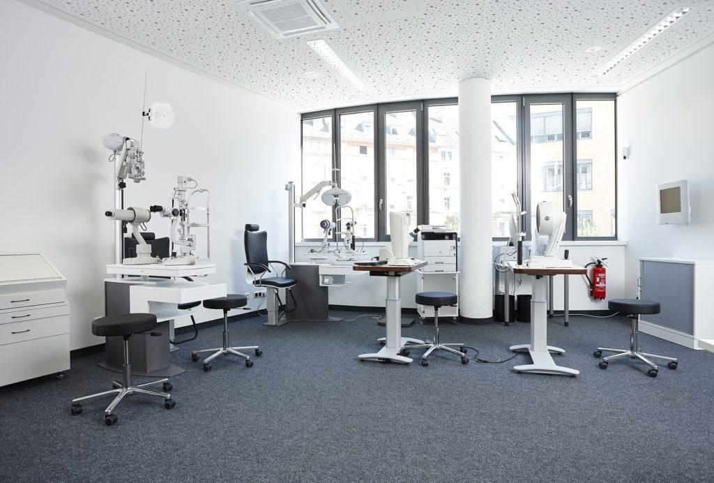Aus- und Weiterbildungszentrum Refraktionsraum-2
