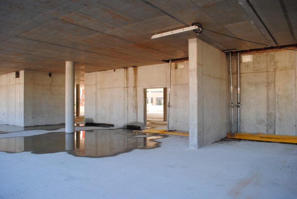 Das Synus-Gebäude im Bau - Abtrennungen