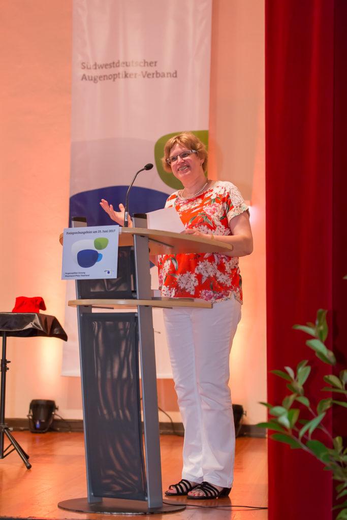Freisprechungsfeier 2017 Mainz Landesinnungsmeisterin Patricia Fuchs heißt die Gäste willkommen