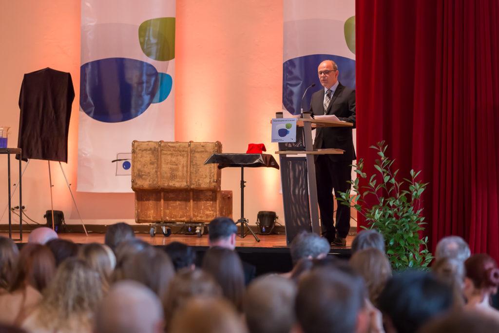 Freisprechungsfeier 2017 Mainz Präsident der Handwerkskammer Rheinhessen Hans-Jörg Friese begrüßt