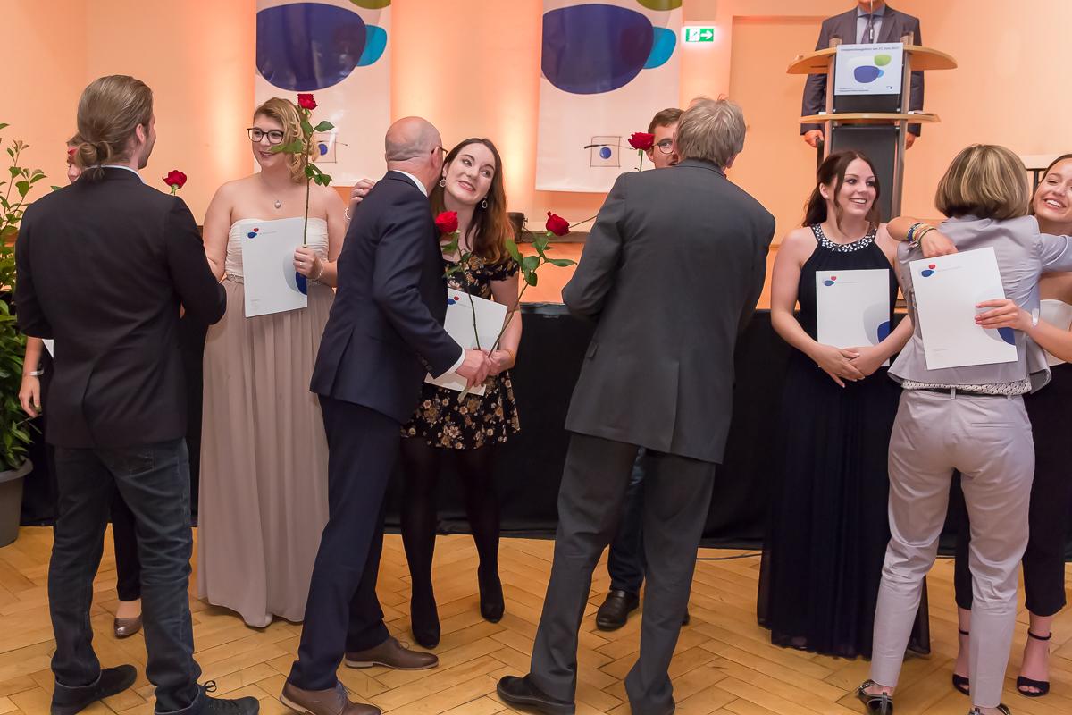 Freisprechungsfeier 2017 Mainz Umarmung Berufsschule Koblenz