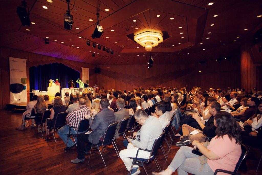 Freisprechungsfeier Bruchsal 2017 BuntMen Applaus