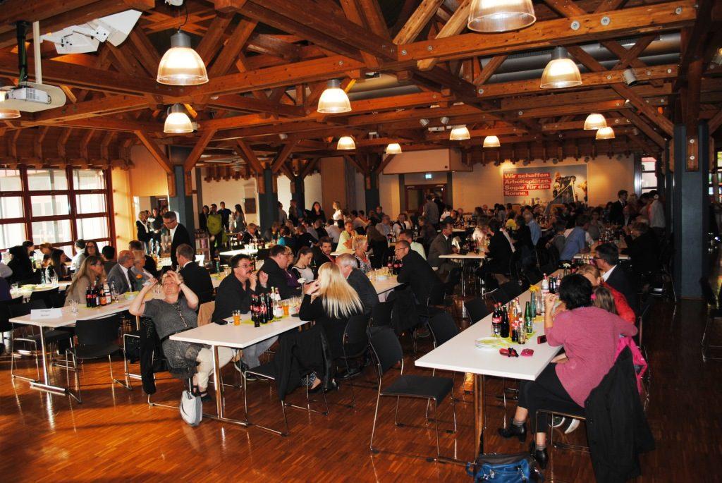 Freisprechungsfeier Freiburg 2015 Saal füllt sich