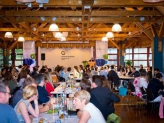 Freisprechungsfeier Freiburg 2017 Saal ist gut gefüllt