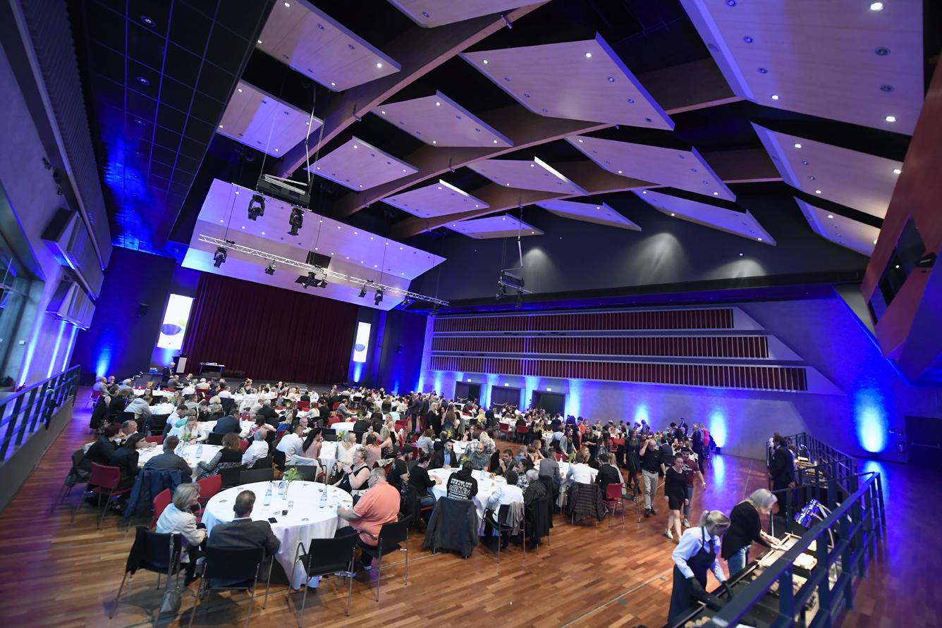 Freisprechungsfeier Leonberg 2017 Der Saal füllt sich 4