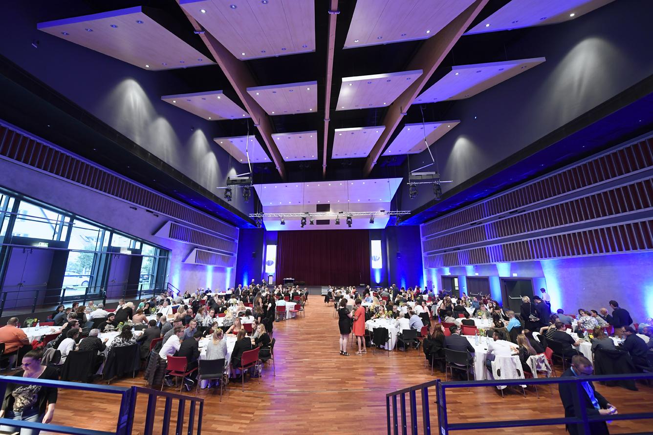 Freisprechungsfeier Leonberg 2017 Der Saal füllt sich 3