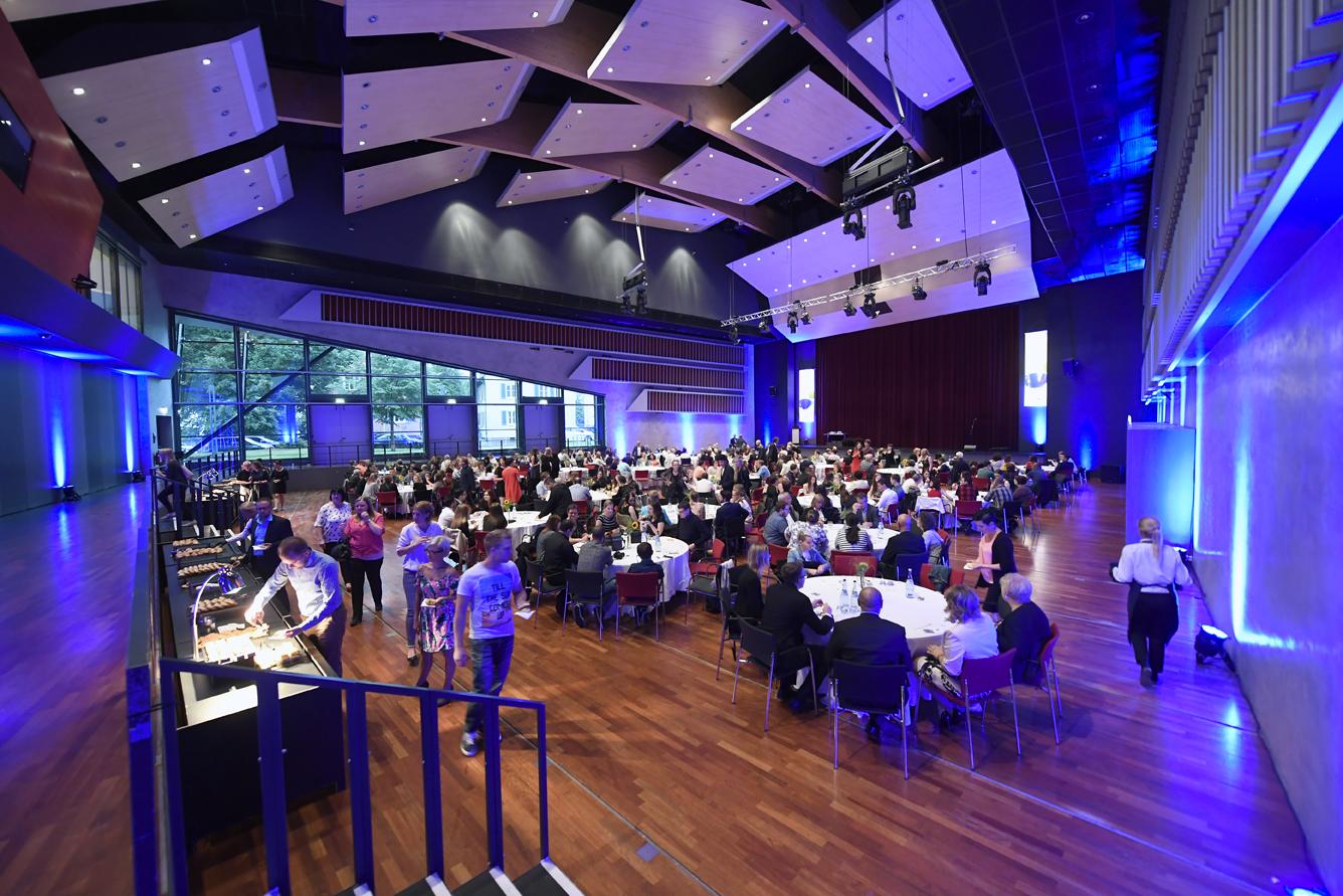 Freisprechungsfeier Leonberg 2017 Der Saal füllt sich 2