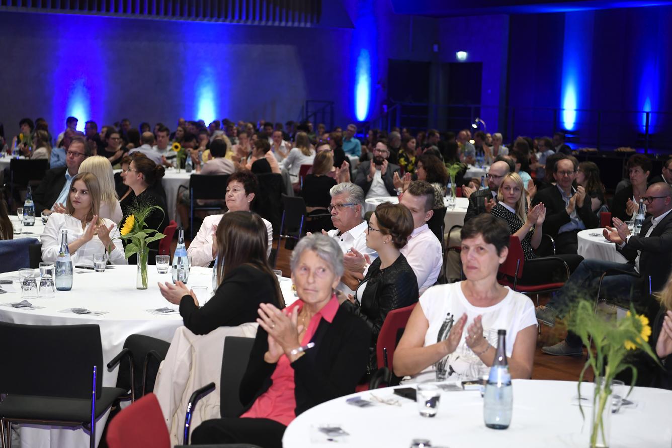 Freisprechungsfeier Leonberg 2017 Gut gefüllter Saal