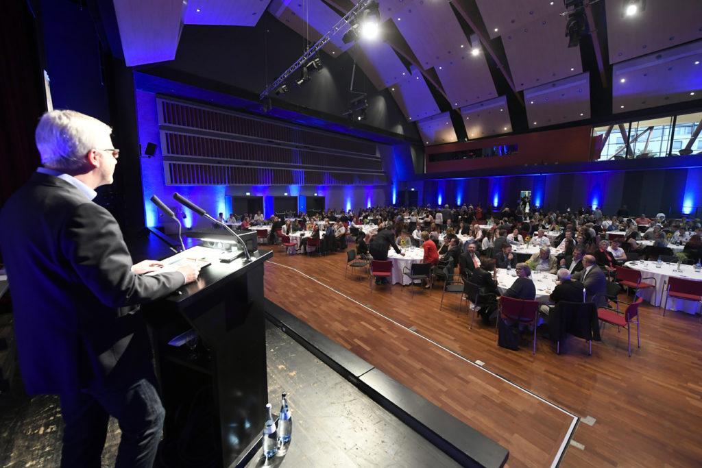 Freisprechungsfeier Leonberg 2017 Landesinnungsmeister Matthias Müller eröffnet die Veranstaltung