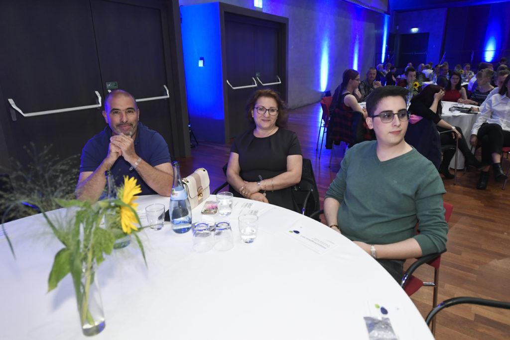 Freisprechungsfeier Leonberg 2017 Marco Pinto mit Familie
