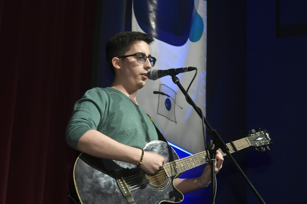 Freisprechungsfeier Leonberg 2017 Marco Pinto singt