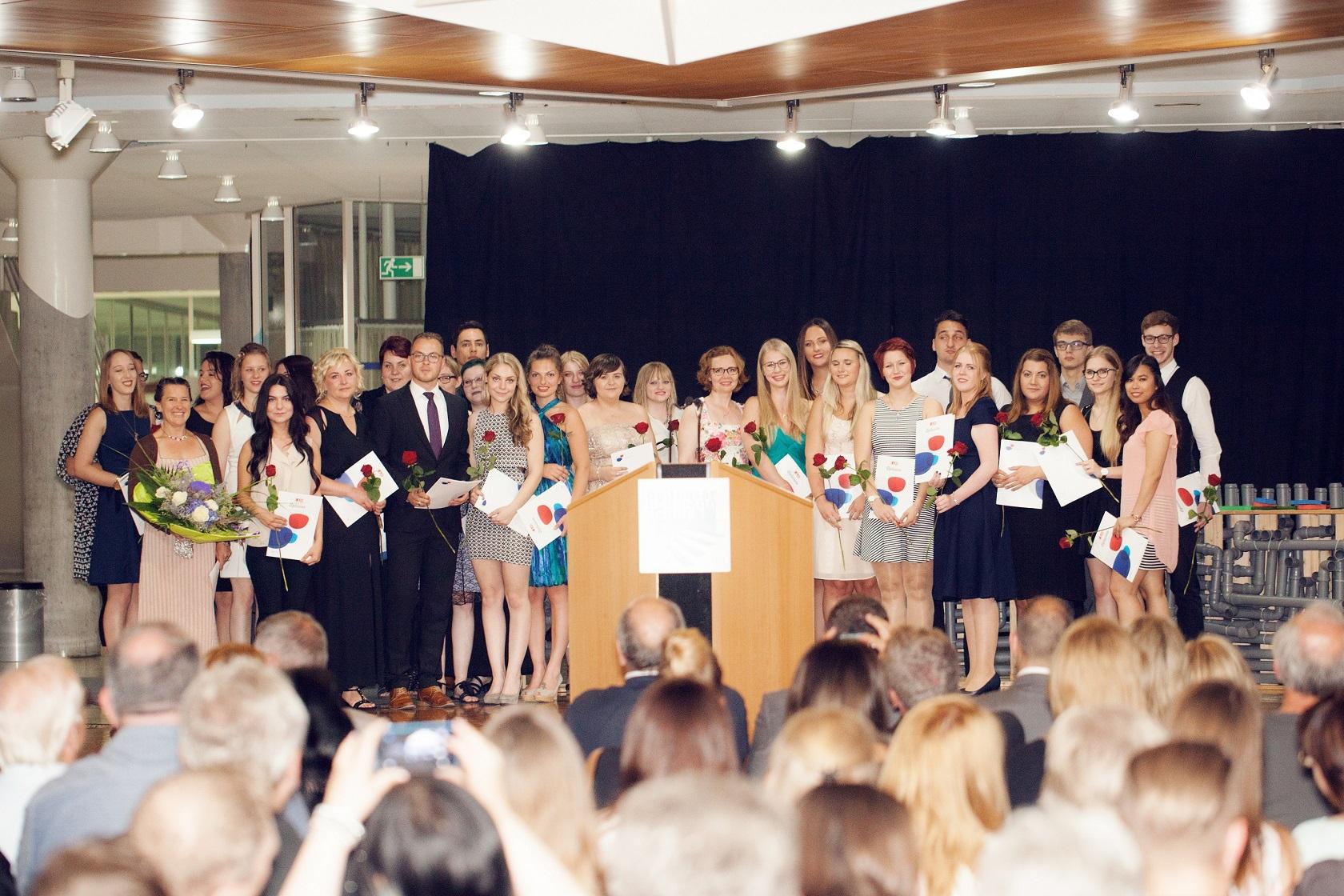 Schulabschlussfeier Bruchsal 2016 Klasse zusammen