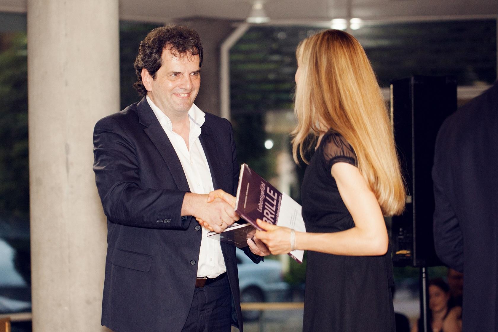 Schulabschlussfeier Bruchsal 2016 Peter Kupczyk gratuliert
